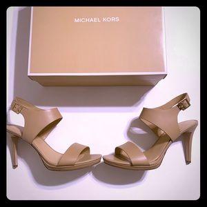 Michael Kors Claudia leather sandals- BNIB💥💥